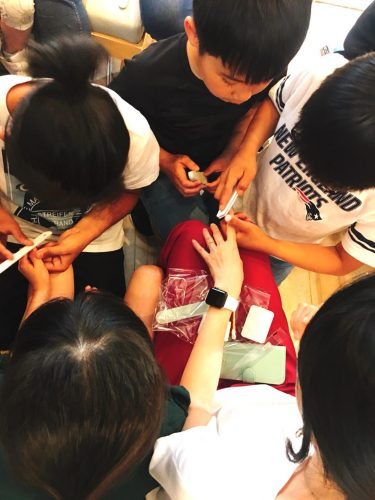 Second Harvest Japan Kids Cafe ネイルケアと爪みがき教室開催
